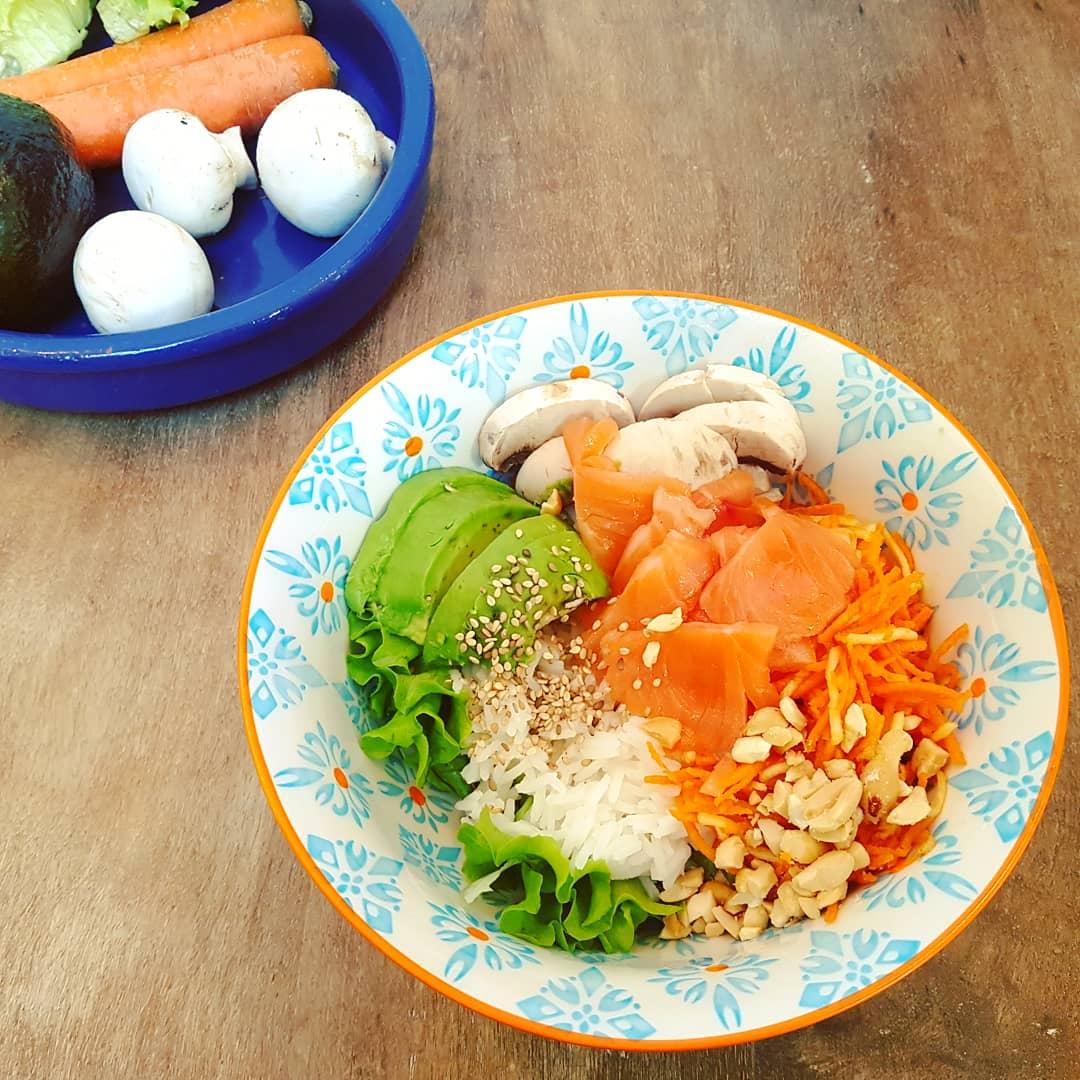 Buddha Bowl Healthy Saumon cru